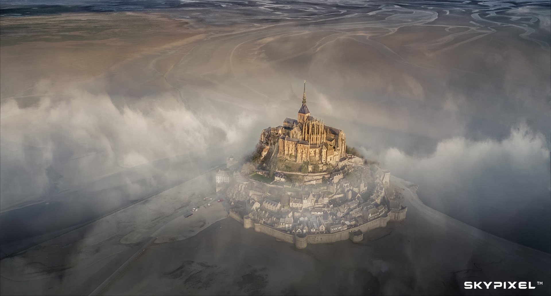 2018 SkyPixel Contest-Photo Group-Grand Prize-Mont Saint Michel.jpg