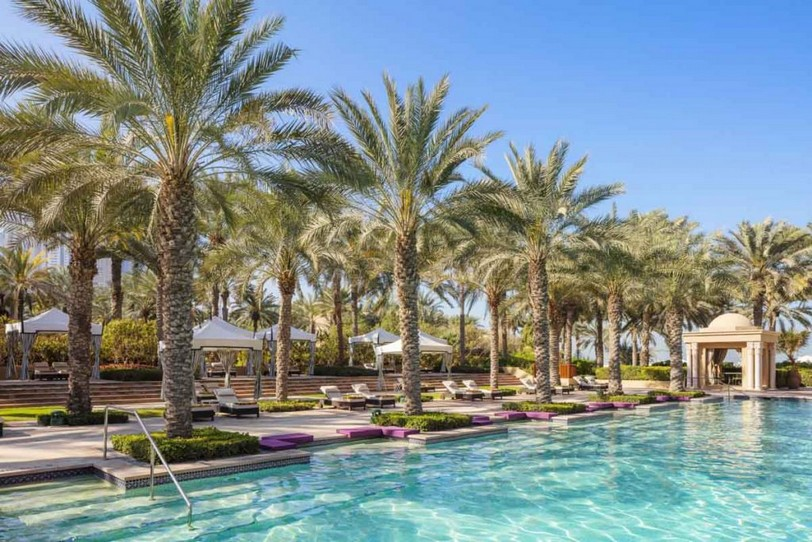 OO_RoyalMirage_Pool_Residencies_Pool_Loungers_0872_MASTER_Small-1024x683.jpg