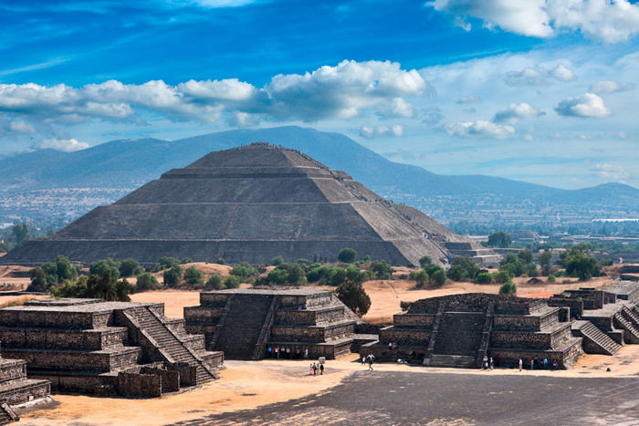 Pyramid-of-the-Sun.-Teotihuacan_9694.jpg