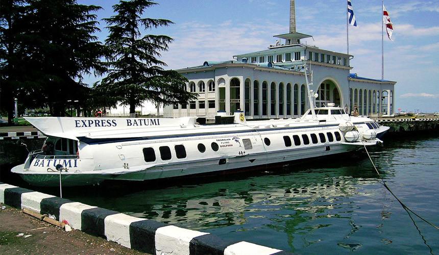 Морское сообщение между Батуми иСочи открывается 11июня