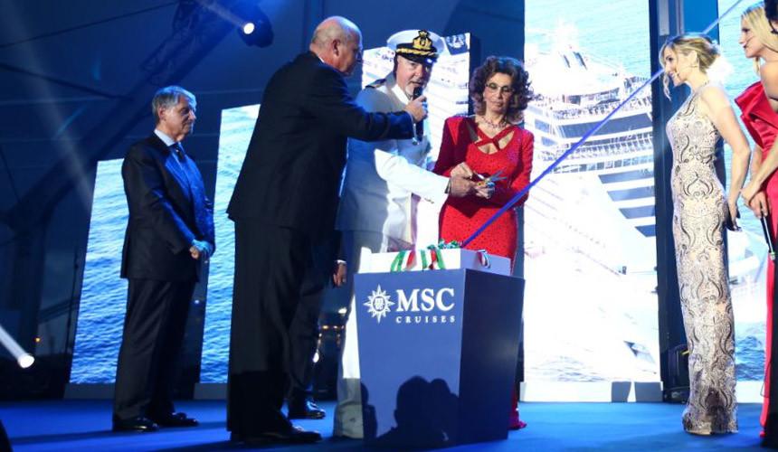 Российские туристы будут плавать на «айфоне» по Средиземному морю