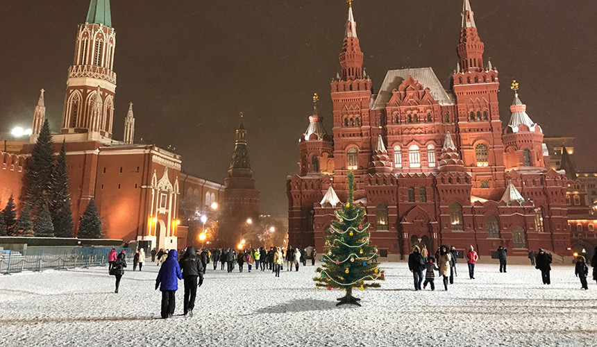 Москва заметно урежет расходы на Новый год