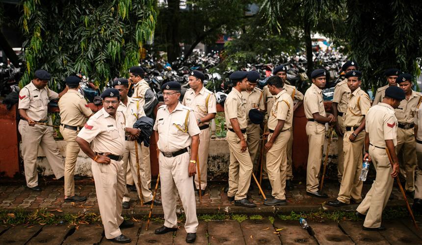 ВШри-Ланке введен режим чрезвычайного положения после столкновений буддистов имусульман