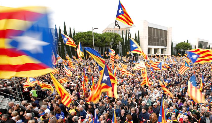 МИД предупредил о возможном обострении обстановки в Каталонии