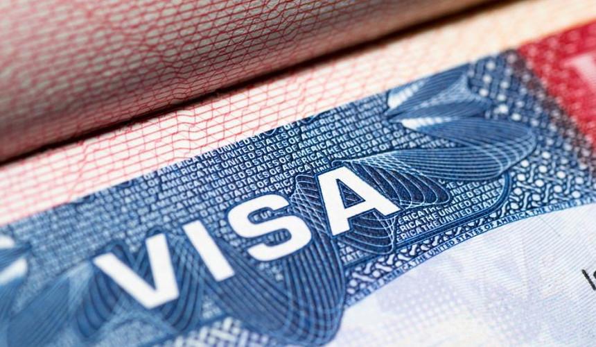 Консульства США возобновили выдачу виз в трёх регионах России