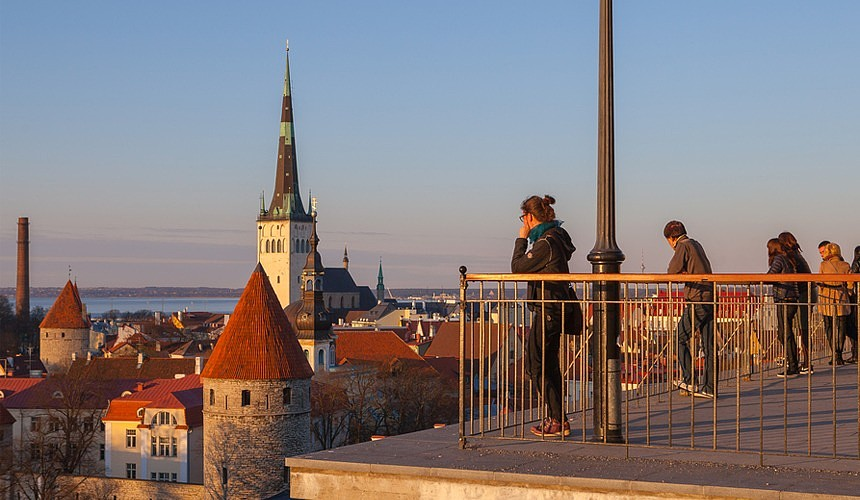 Эстония разрешила въезд для вакцинированных россиян