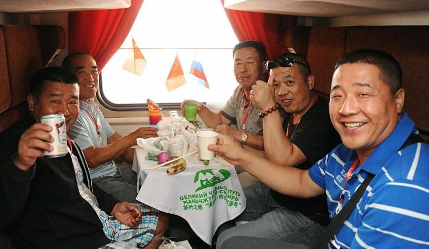 «Больше трех не собираться»: как путешествуют в Китае на майские праздники