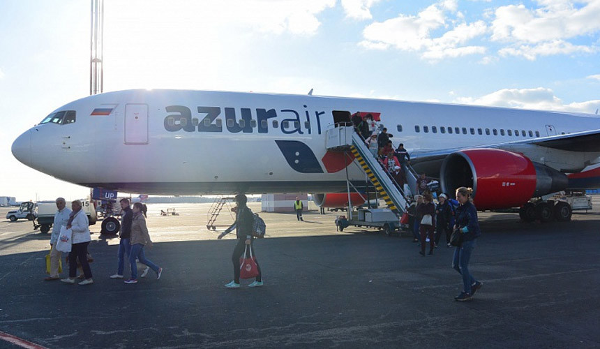 Ростуризм призвал закончить реализацию туров сперевозкой Azur Air