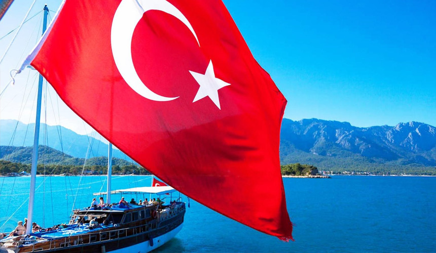 Некоторые туроператоры продлят полетные программы в Турцию