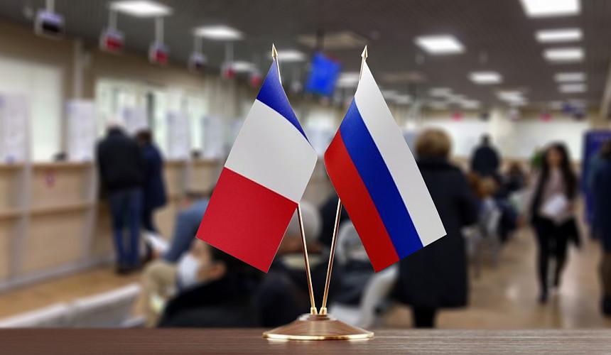 Получить визу во Францию к Новому году становится все сложнее