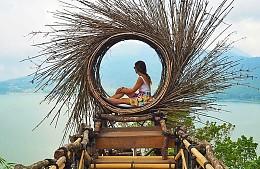 Индонезия снова обещает открыться для туристов в октябре