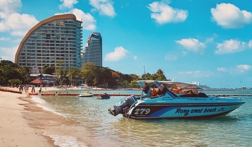 Туризма в Таиланде не будет как минимум до конца сентября