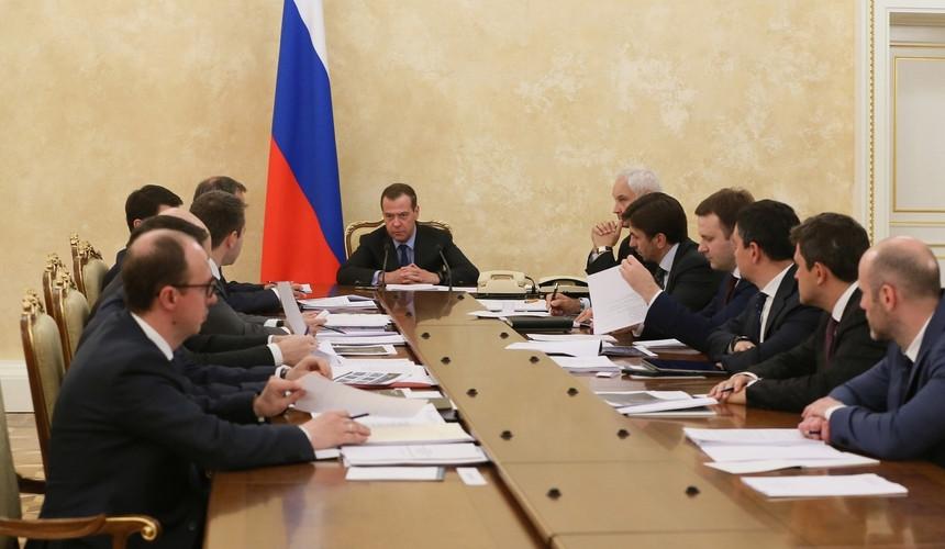 Медведев дал поручение по созданию фонда для вывоза пассажиров