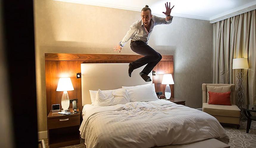 За чей счет банкет? Только 26 отелей Калининградской области решились предложить своим клиентам бесплатную ночь проживания