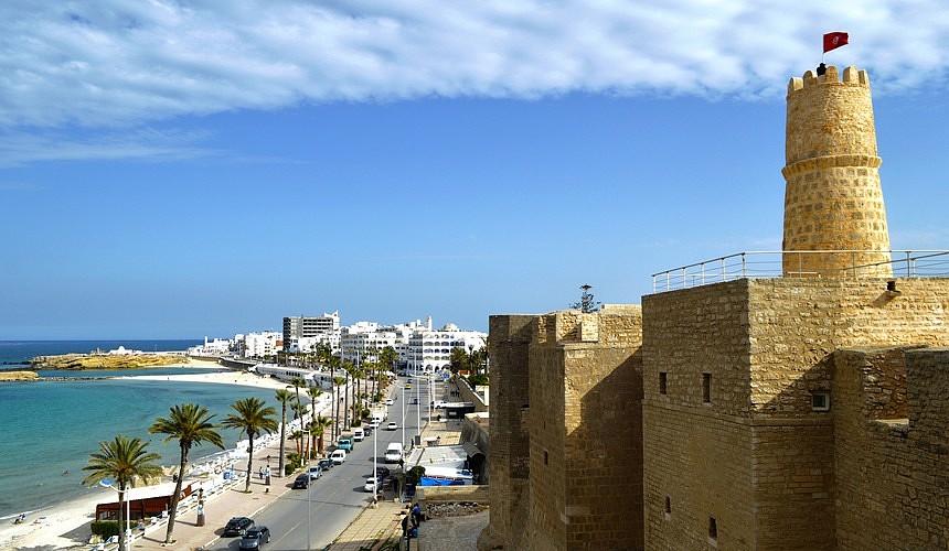 Тунис освободил туристов от обязательного карантина