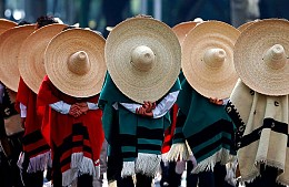 Туроператоры отменяют бронирования из-за правил Мексики в отношении некоторых россиян