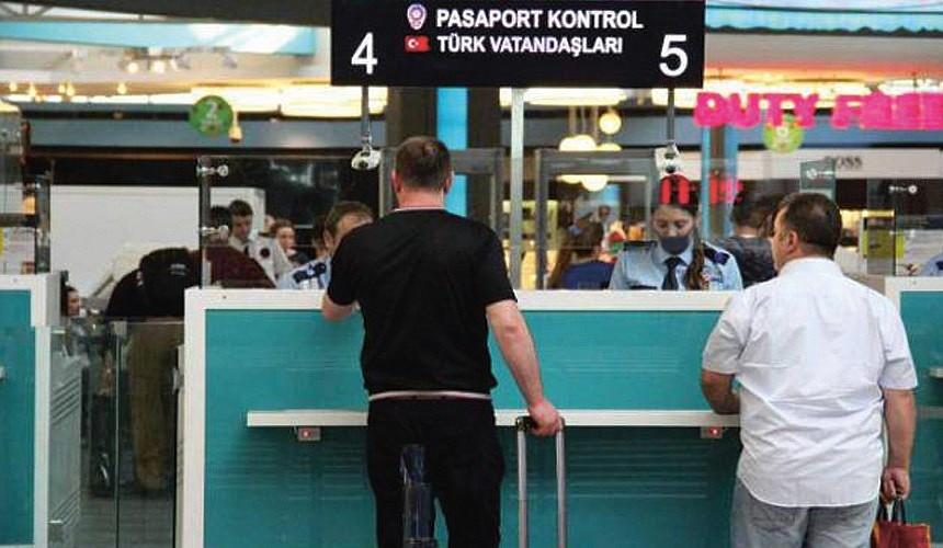 Туроператоры начали предупреждать туристов, вакцинированных «Спутником Лайт», о возможных проблемах при въезде в Турцию