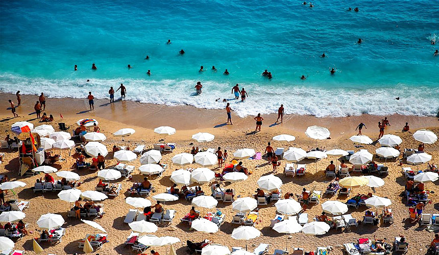 В Турцию едут активнее, но цены всё равно не растут