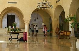 Туристке отказали в заселении в забронированный отель в Тунисе