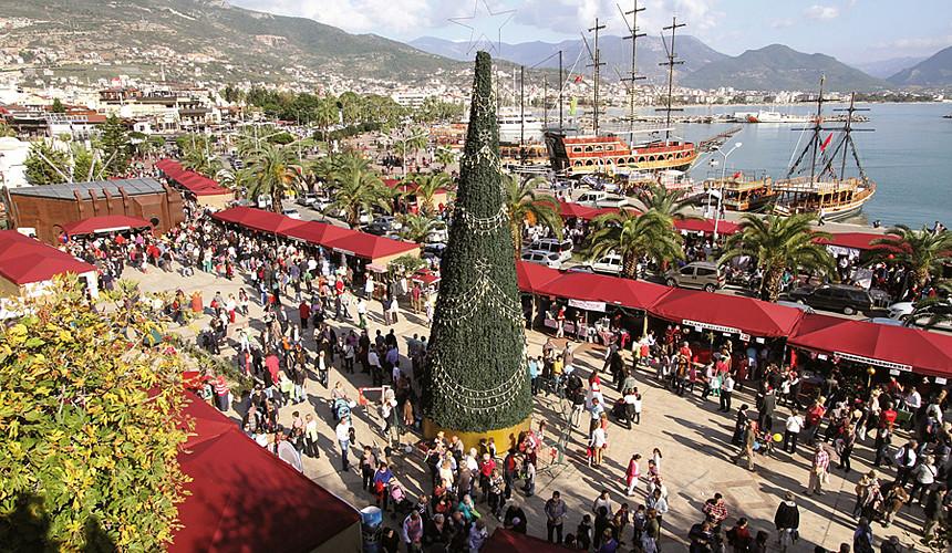 Новогодние туры в Турцию распродаются по 15 тыс. руб.