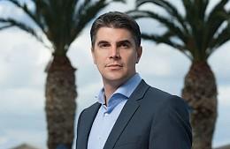 Глава греческой сети отелей Aldemar Александрос Ангелопулос переизбирается на высокий пост