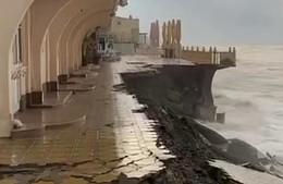Из-за непогоды в Сочи закрыли все пляжи