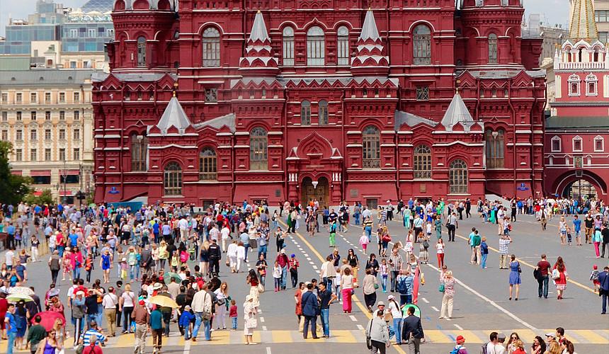 Khách du lịch nước ngoài bắt đầu đến Nga thường xuyên hơn