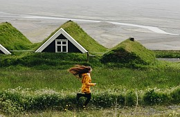 Переболевшие российские туристы прорвались в Исландию
