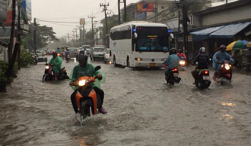 Тайфун «Доксури» бушует на юге Азии: на Пхукете – наводнения