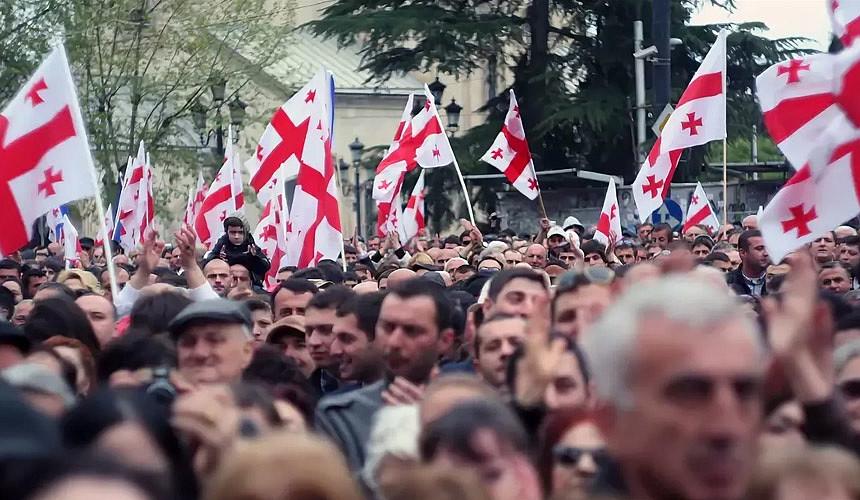 В Совфеде рекомендовали российским туристам не ездить в Грузию
