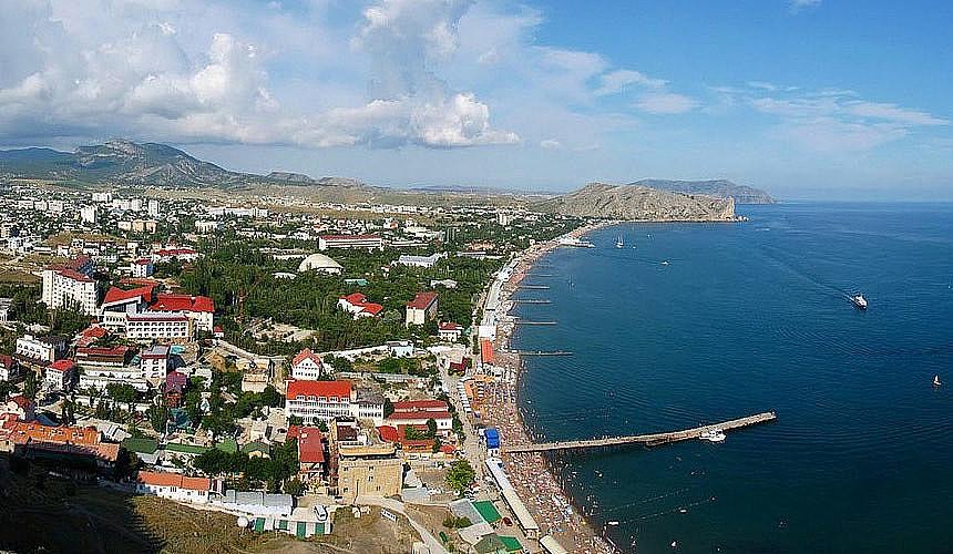 Турбизнес негодует: туристов в Крыму больше, а денег меньше
