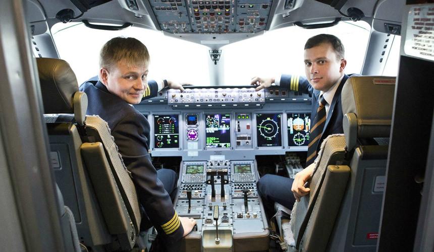«Аэрофлот» поднял зарплату первым пилотам почти на 40%