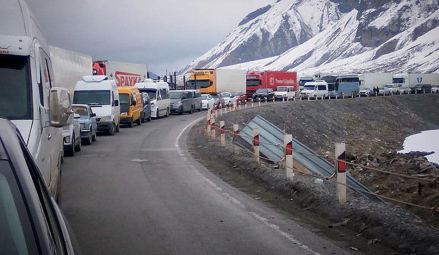 Грузия не пропускает: более 300 россиян не могут вернуться из Армении